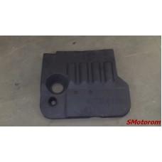 Декоративная панель двигателя (пластиковая)